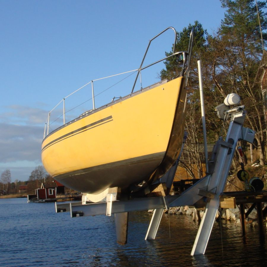 The Elevator Boat Lifts also works for sail boats
